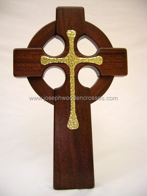16 Inch Mahogany Celtic Cross with Brass Inlay front closeup