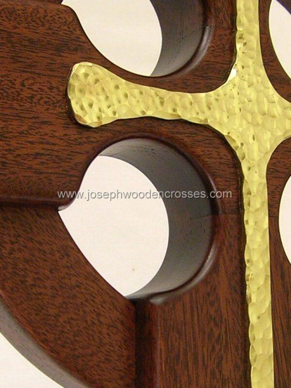 16 Inch Mahogany Celtic Cross with Brass Inlay inlay closeup