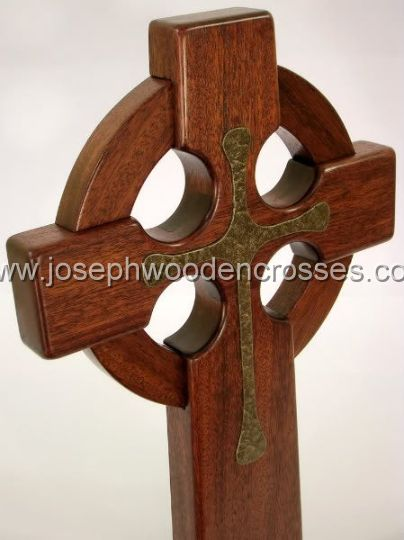 16 Inch Mahogany Celtic Cross with Bronze Resin Inlay topright